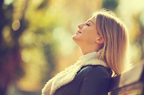 what to expect in early recovery - woman in park - victory addiction recovery center